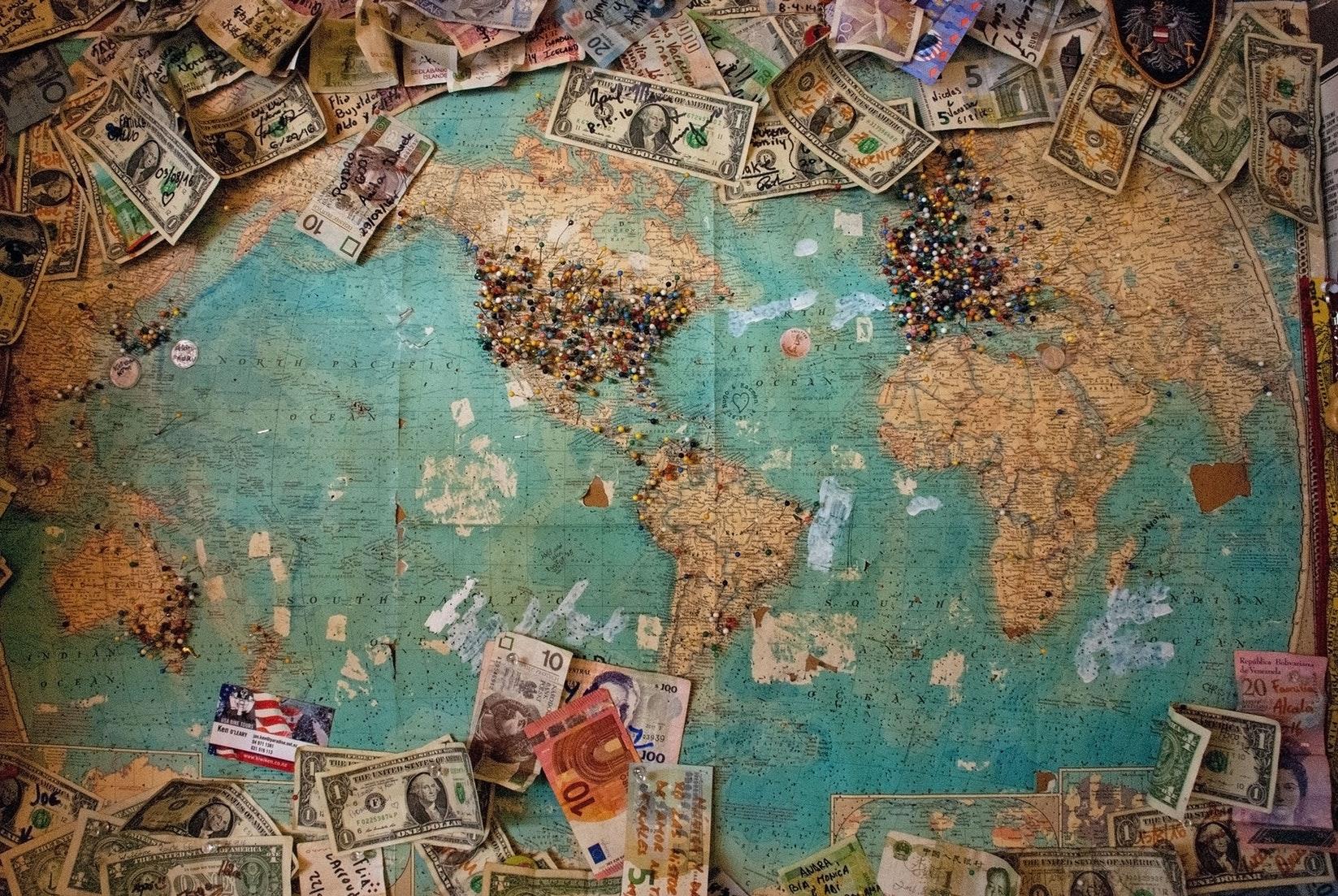 ¡En 2020, </br> da la VUELTA AL MUNDO </BR>  Todos los vuelos x menos de 1000€!